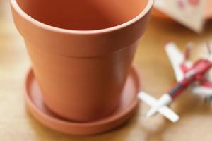 植木鉢をペイント